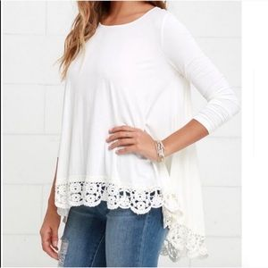 Lulu's Tops - Pretty oversized ivory top with crotchet bottom